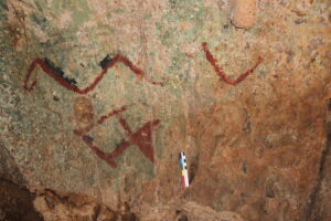 Under the Shelter: Archaeology in the Caves of Ruropolis, Amazonia, Brazil